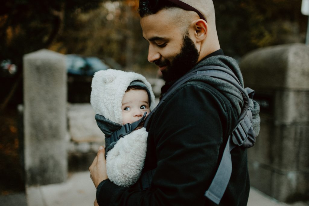 Benefits of baby wearing to moms and their babies